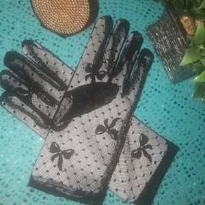 Accessories - Lacey Hand Glove